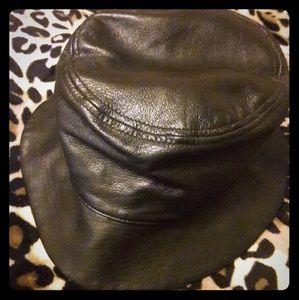 Wilson's Leather, Black Hat, M
